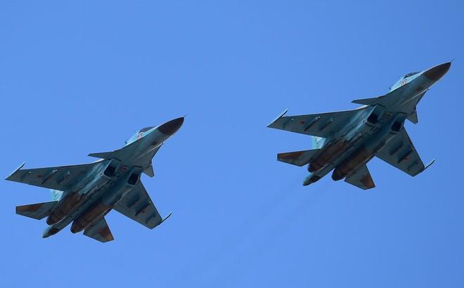 NÓNG: Hai máy bay chiến đấu Su-34 Nga đâm nhau trên không