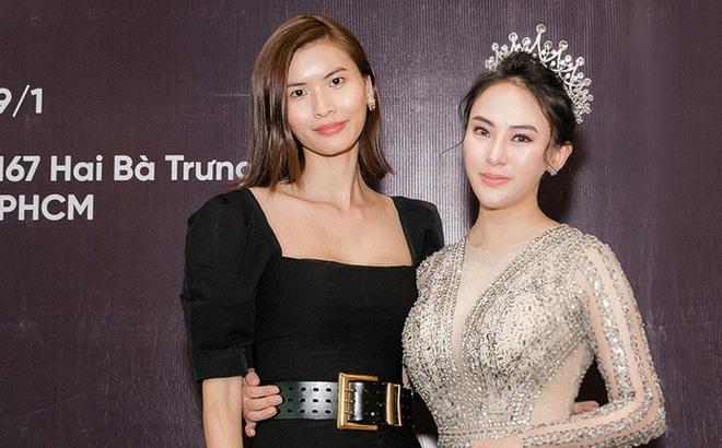 Hoa hậu Thu Hoàng xúc động trong tiệc mừng danh hiệu
