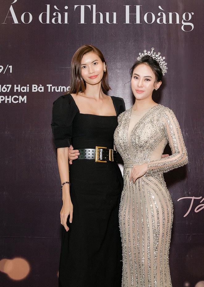 Hoa hậu Thu Hoàng xúc động trong tiệc mừng danh hiệu - Ảnh 4.
