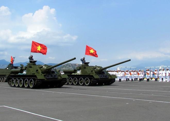 Việt Nam có nên học tập Lào đổi SU-100 lấy xe tăng hiện đại? - Ảnh 2.