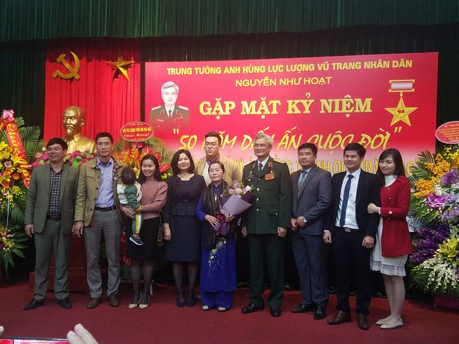 Đại tướng Phùng Quang Thanh ôn lại những phút giây hào hùng, hát mãi khúc quân hành mừng Trung tướng Nguyễn Như Hoạt - Ảnh 4.