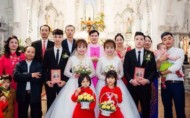 Xôn xao hình ảnh chị em sinh đôi cưới cùng một ngày: 'Hai chú rể chắc phải đánh dấu'