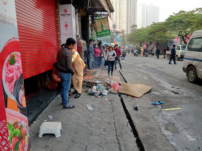 Nhân chứng vụ tông xe liên hoàn trên phố Ngọc Khánh: Tài xế bước ra khóc rưng rức - Ảnh 2.
