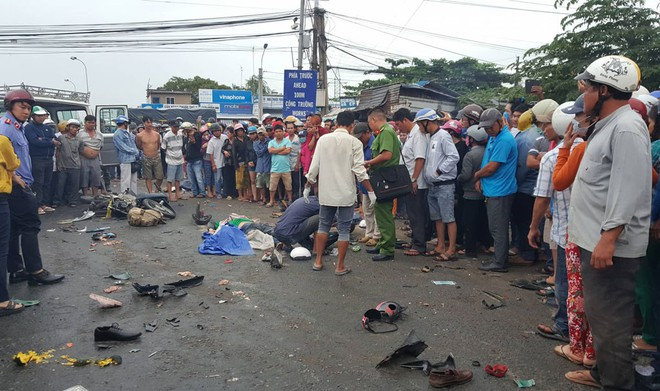 Họp báo vụ tai nạn thảm khốc tại Long An: Sẽ khởi tố vụ án để điều tra, kêu gọi tài xế ra trình diện - Ảnh 3.