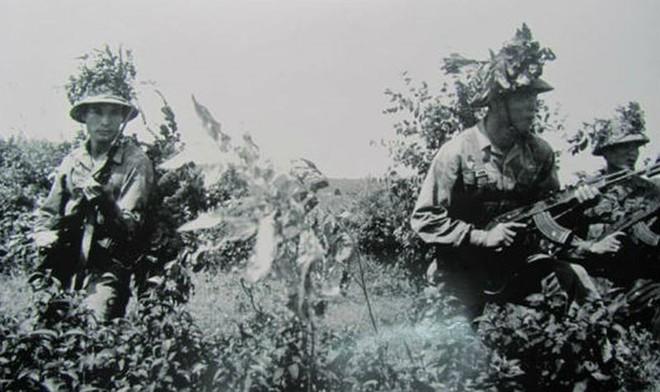 Cuộc hành quân thần tốc đầy bão tố của Lữ đoàn xe tăng 203: Tiêu diệt Khơ me Đỏ - Ảnh 1.