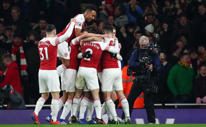 Quật ngã Chelsea, Arsenal trở lại cuộc đua top 4