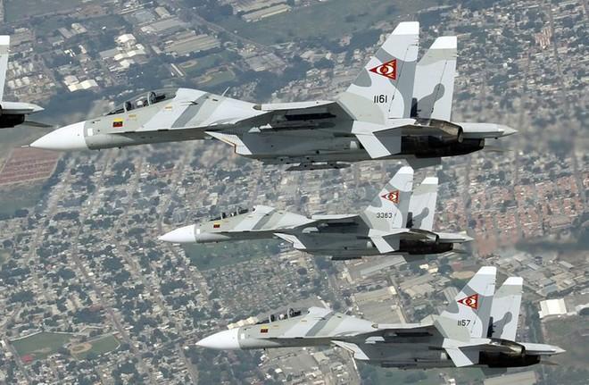 Tiêm kích tàng hình F-22 dẫn xác tới hang cọp: Tên lửa S-300, Pechora và Buk đang chờ - Ảnh 3.