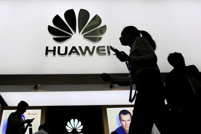 Huawei bị tứ bề chèn ép: Dấu hiệu của cuộc thập tự chinh nhằm vào Trung Quốc - Ảnh 1.