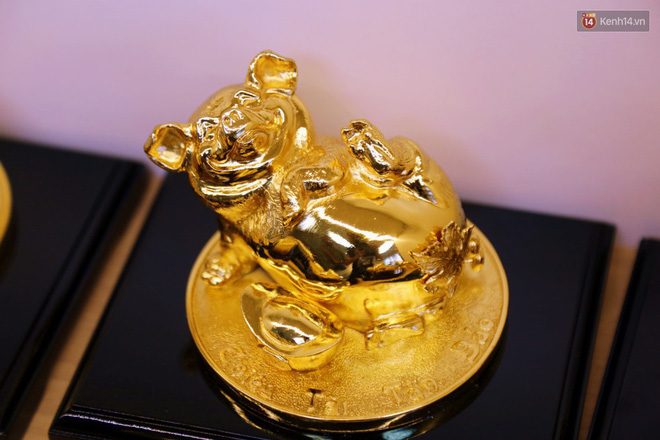 Tượng heo vàng giá hàng trăm triệu đồng được người Sài Gòn săn lùng để chơi Tết Kỷ Hợi 2019 - Ảnh 8.