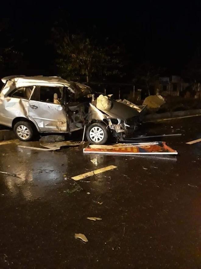 Hiện trường vụ tai nạn lúc 3 giờ sáng ở Quảng Nam: Nguyên nhân vẫn là một dấu hỏi - Ảnh 2.