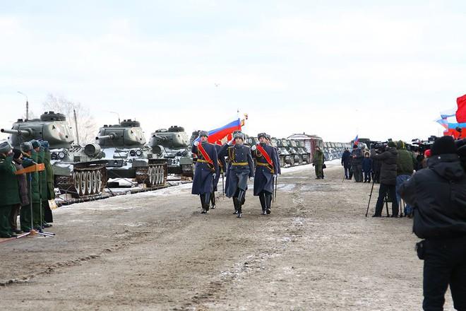 Quyết định bất ngờ: Nga biên chế 30 xe tăng T-34 Lào cho Sư đoàn bảo vệ trái tim Moscow - Ảnh 1.