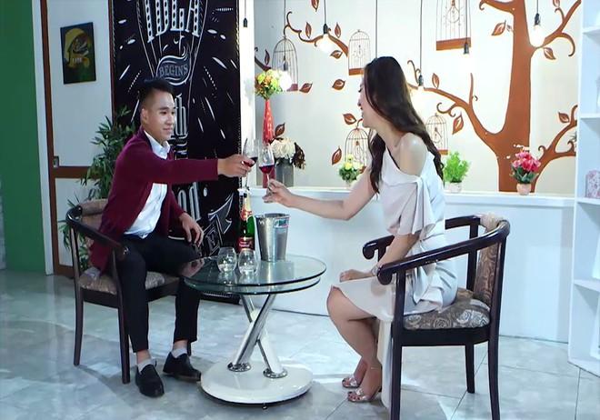 Á khôi Người mẫu ảnh tham gia show hẹn hò, bất ngờ bị trai trẻ coi như món quà tặng lại bạn thân - Ảnh 5.