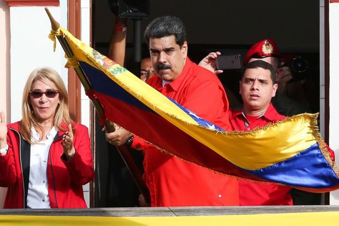 Trung Quốc nói gì về vụ chủ tịch Quốc hội Venezuela tự xưng làm tổng thống lâm thời? - Ảnh 1.
