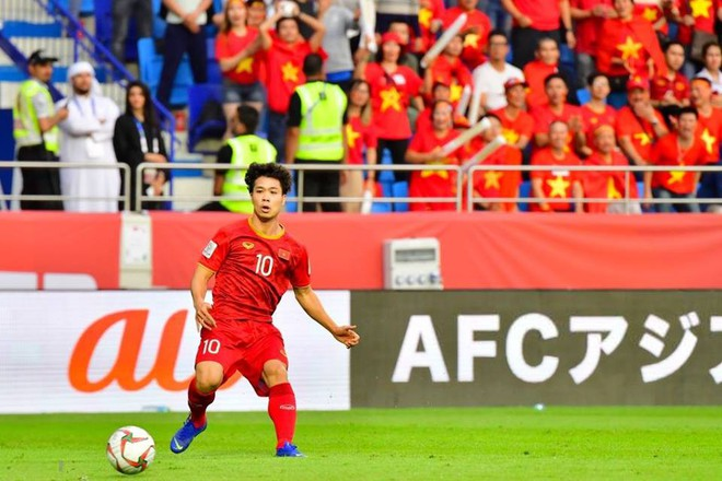 Ủng hộ đội nhà nhưng nhiều CĐV Nhật Bản muốn cảm ơn Việt Nam: Các bạn chơi đẹp và hay quá - Ảnh 1.