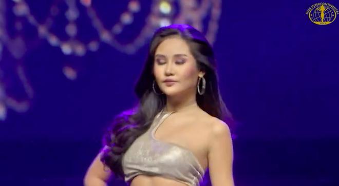 [Cập nhật] Chung kết Hoa hậu Liên lục địa 2018: Biểu cảm của Ngân Anh khi chính thức được gọi tên vào top 6 - Ảnh 15.