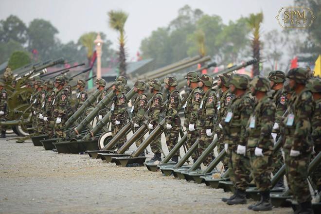 Không chịu kém Lào, Quân đội Campuchia phô diễn vũ khí tối tân kỷ niệm 20 năm thành lập - ảnh 11