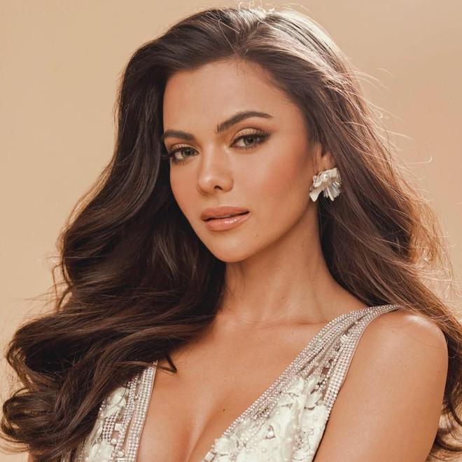 """Người """"cướp"""" mất ngôi vị Hoa hậu Liên lục địa của Lê Âu Ngân Anh đẹp cỡ nào? - Ảnh 3."""