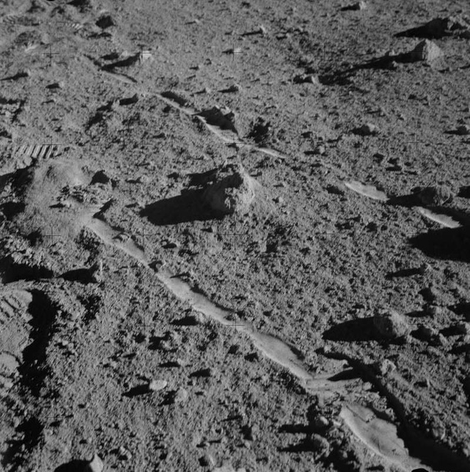 Đây có thể là tảng đá cổ nhất Trái Đất và nó đến từ... Mặt Trăng? - Ảnh 3.