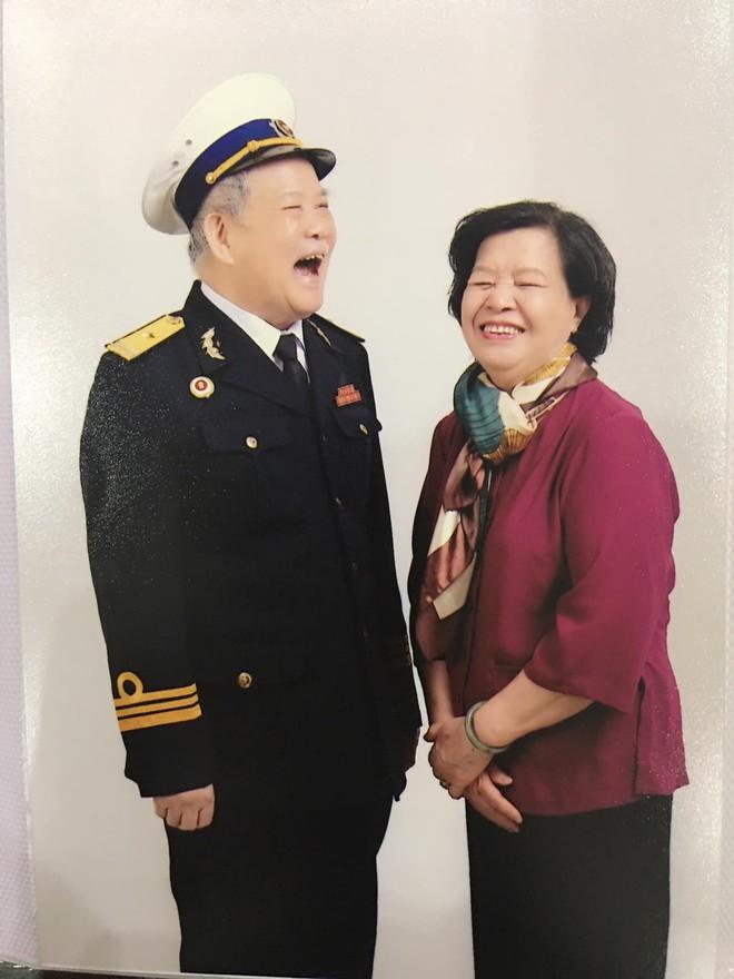 Vợ được hàng xóm khen vẫn còn ngon, ông ngoại 81 tuổi hí hửng về khoe con cháu - Ảnh 4.