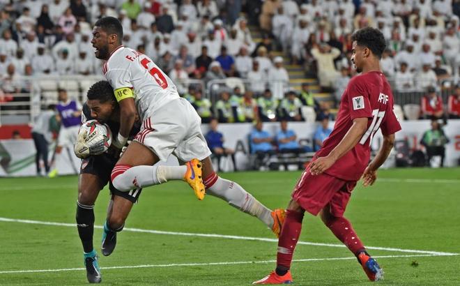 Hạ gục không thương tiếc chủ nhà, Qatar tiếp tục hành trình kỳ diệu ở Asian Cup