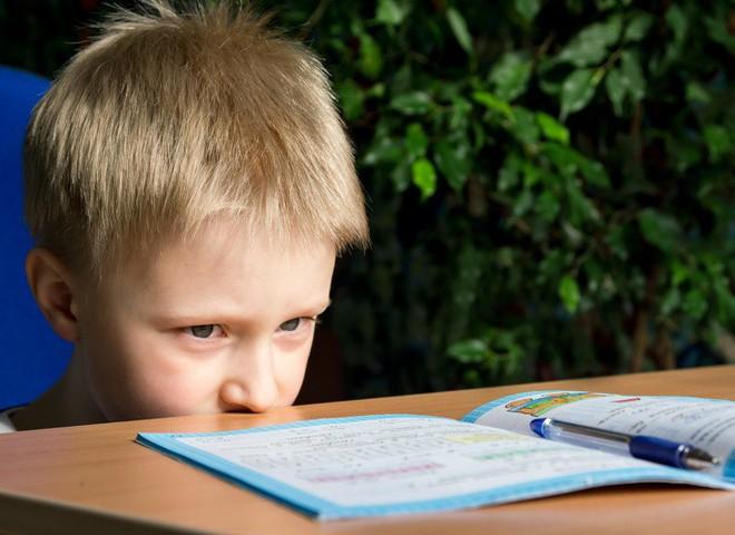 Khi trẻ em dùng điện thoại quá nhiều: Hậu quả nghiêm trọng hơn những gì bạn tưởng tượng - Ảnh 6.