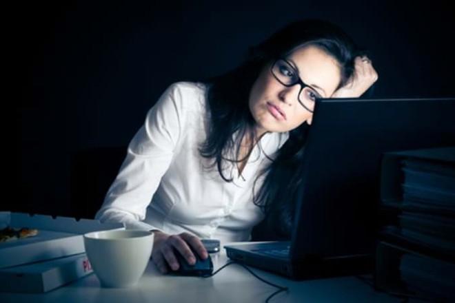 Người đi ngủ sau 12 giờ hàng ngày cơ thể tổn hại ra sao: 4 hậu quả bạn nhất định phải biết - Ảnh 2.