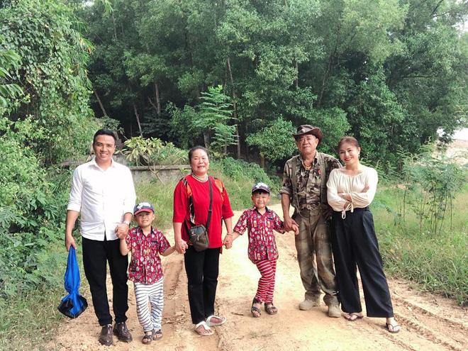Cuộc sống của vợ chồng MC Hoàng Linh sau scandal giận dỗi đòi chia tay - Ảnh 1.