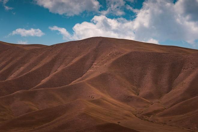 """Thiên nhiên hùng vĩ ở Kyrgyzstan đẹp đến """"nghẹt thở"""" - Ảnh 12."""