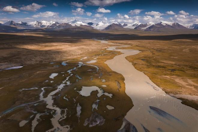 """Thiên nhiên hùng vĩ ở Kyrgyzstan đẹp đến """"nghẹt thở"""" - Ảnh 3."""