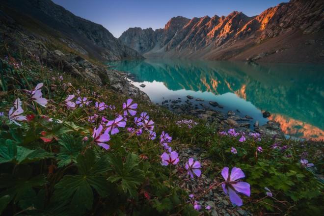 """Thiên nhiên hùng vĩ ở Kyrgyzstan đẹp đến """"nghẹt thở"""" - Ảnh 5."""