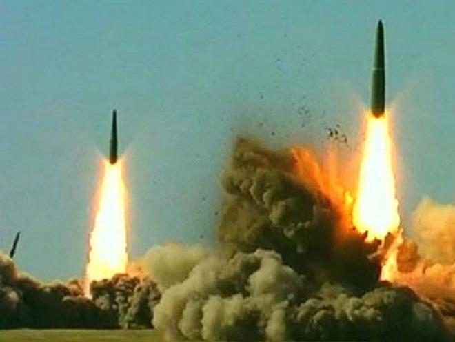 Tư duy logic quân sự thời bá chủ của Mỹ đang... giãy chết: Hãy ngồi xuống, nghe Nga nói! - Ảnh 3.