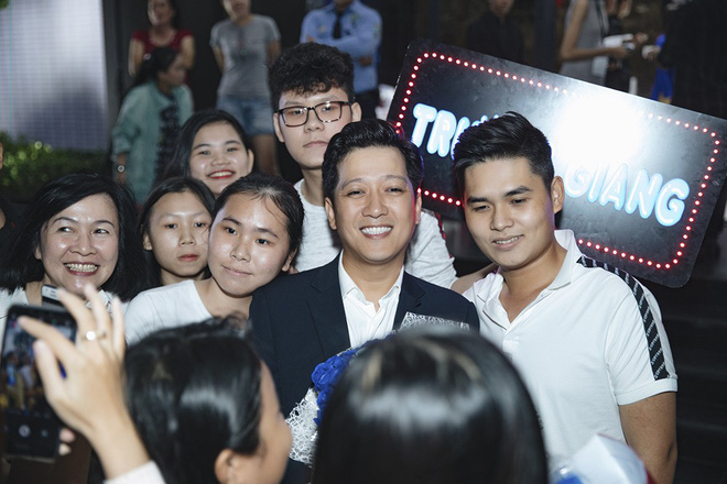 Trường Giang nhận giải Nam diễn viên điện ảnh được yêu thích nhất - Ảnh 7.