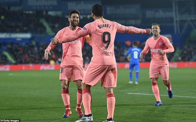 """Real Madrid thua ngay trên sân nhà, Barcelona """"độc tôn"""" tại La Liga"""