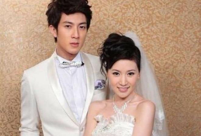 Đẹp trai và giàu có, 5 quý ông Hoa ngữ này vẫn chung thủy hàng chục năm với một mối tình - ảnh 5