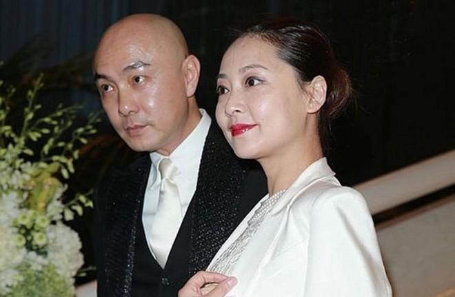 Đẹp trai và giàu có, 5 quý ông Hoa ngữ này vẫn chung thủy hàng chục năm với một mối tình - ảnh 8