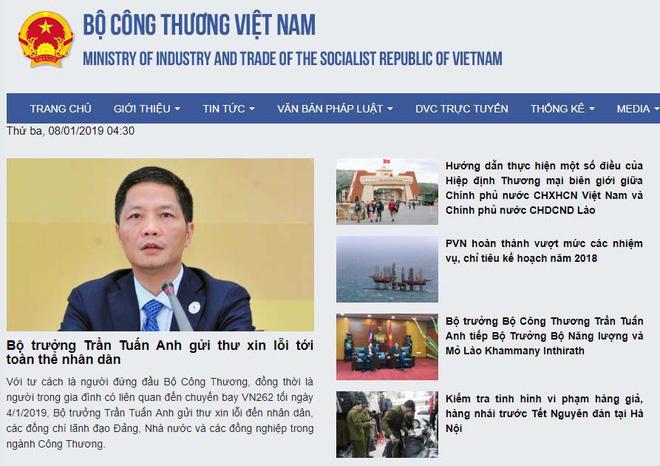 Bộ trưởng Trần Tuấn Anh xin lỗi sau vụ ô tô biển xanh đón người thân tại cầu thang máy bay - Ảnh 3.