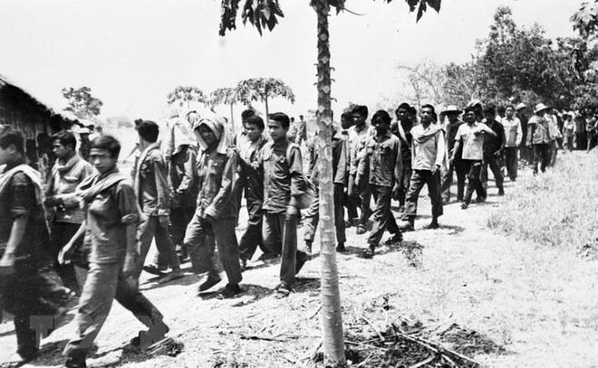 Tội ác man rợ của lính Pol Pot với quân tình nguyện Việt Nam: Trả thù cả người đã chết - Ảnh 5.