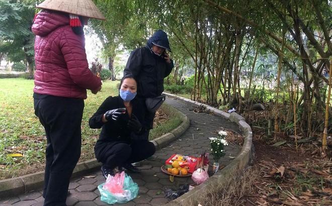 Vụ người phụ nữ không mặc quần chết ở vườn hoa: Bác tin đồn bắt 2 thợ xây