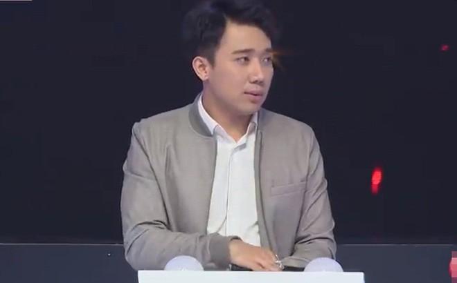 """Trấn Thành bị """"bóc trần"""" cuộc sống với Hari Won: Không tự do về tiền bạc, không làm chủ kinh tế"""