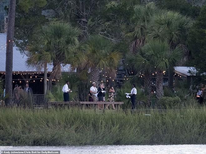 Hình ảnh cực hiếm trong đám cưới bí mật, đóng cửa với truyền thông của Justin Bieber - Ảnh 6.