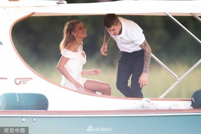 Hình ảnh cực hiếm trong đám cưới bí mật, đóng cửa với truyền thông của Justin Bieber - Ảnh 4.