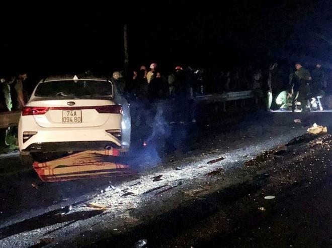Tai nạn giao thông thảm khốc, cả gia đình chết thảm - Ảnh 1.