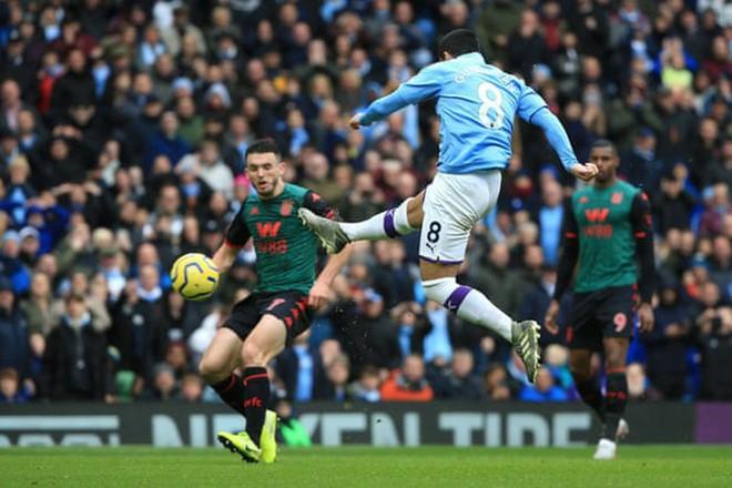'Hủy diệt' Aston Villa trong hiệp 2, Man City áp sát Liverpool - Ảnh 6.