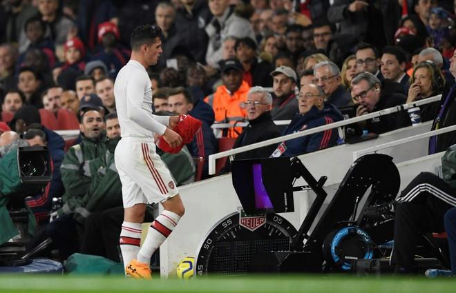 Arsenal loạn phòng thay đồ vì đội trưởng Granit Xhaka - Ảnh 2.
