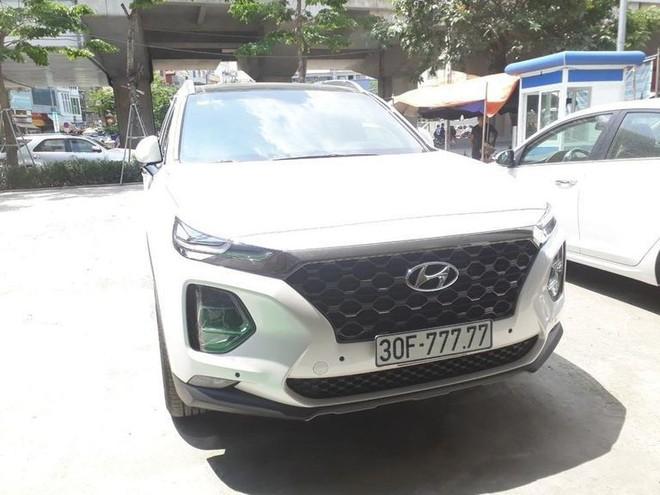 Xuất hiện Hyundai Santafe biển ngũ quý 9 siêu đẹp Hà Nội nhưng gây tranh cãi gay gắt - Ảnh 4.