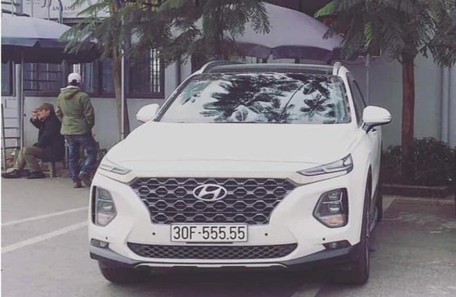 Xuất hiện Hyundai Santafe biển ngũ quý 9 siêu đẹp Hà Nội nhưng gây tranh cãi gay gắt - Ảnh 5.