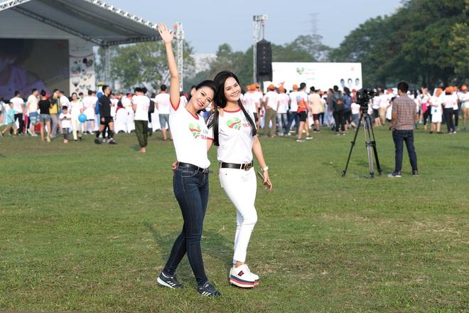 Ca sĩ Lương Nguyệt Anh và MC Mỹ Vân tham gia chạy bộ vì trẻ em bị bệnh tim - Ảnh 6.