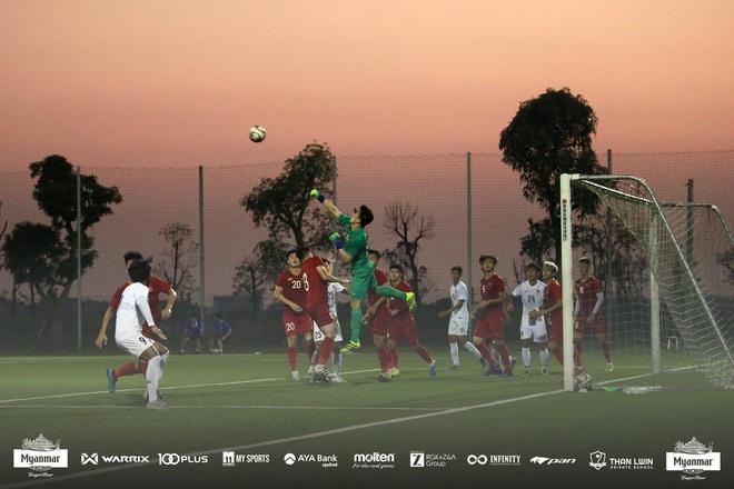 U22 Việt Nam đá kín, chật vật hòa đối thủ nhiều duyên nợ tại SEA Games - Ảnh 6.