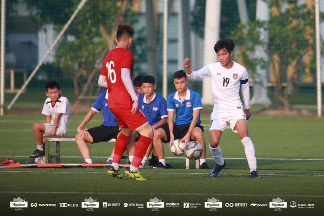 U22 Việt Nam đá kín, chật vật hòa đối thủ nhiều duyên nợ tại SEA Games - Ảnh 13.