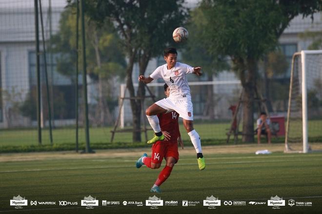 U22 Việt Nam đá kín, chật vật hòa đối thủ nhiều duyên nợ tại SEA Games - Ảnh 14.